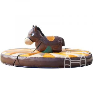 opblaasbare trek rodeo paard huren